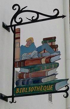 Biblioteca, street sign