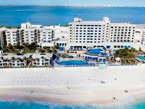 Barceló Tucancun Beach es unbuen hotel 4 estrellas de Cancún, cuenta con muy buenas instalaciones, un excelente servicio por parte del staff y sobre todo, un cálido y amistodo ambiente familiar.    Se trata de un hotel respaldado por la mundialmente reconocida cadena Barceló, que es sinónimo de calidad y vanguardia. Si lo que deseas es pasar tus vacaciones en un excelente hotel de Cancún, al lado del mar.