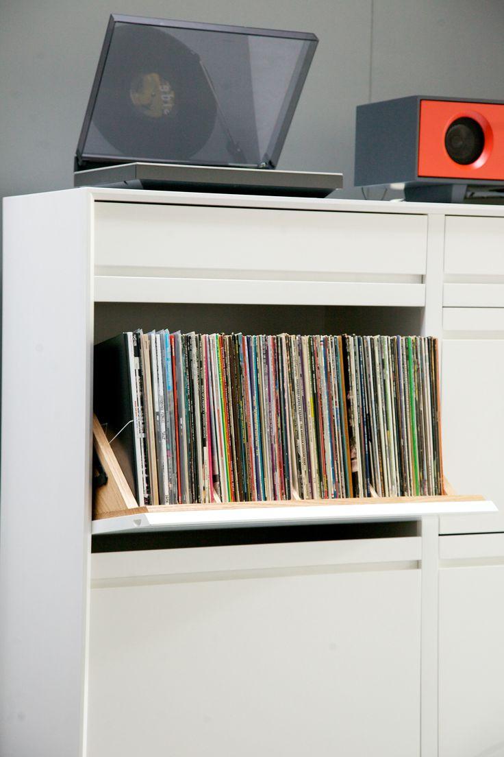 AERO Cabinet with LP Swivel Bin by