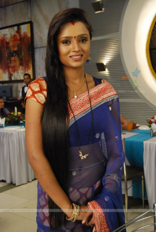 Parul Chauhan as Ragini
