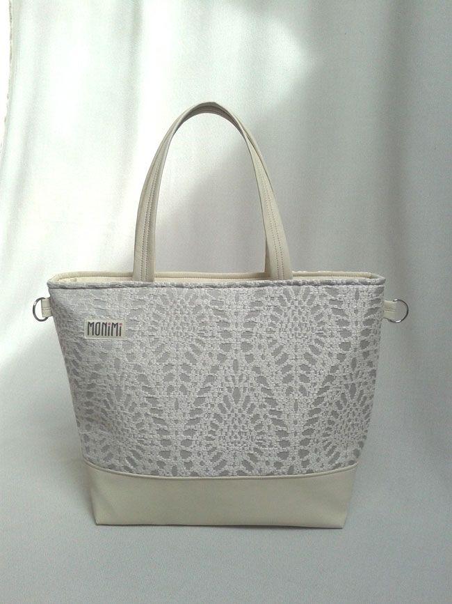 #Vanília színű textilbőr és bézs #csipke mintás szövet kombinációjával készült ez a nagy táska. Base-bag női #táska