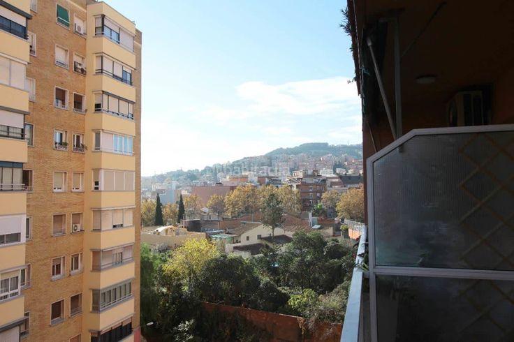 Piso exclusivo en calle St. Iscle #Nou Barris #Barcelona    Tenemos a la venta una vivienda de 95m2 más terraza soleada de 7m2, es una 5ª planta real en finca con ascensor. 4 dormitorios, baño, salón comedor con salida a terraza, cocina independiente y lavadero. Buen estado de conservación     🔑 Eurofincas - (34) 93 476 49 69 | Roger de Llúria, 116 08037 – Barcelona     🔑 Eurofincas St. Cugat – (34) 93 675 08 04 c. Sant Antoni, 52    www.eurofincas.es    http://qoo.ly/czcct