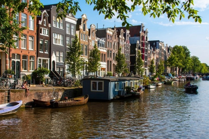 Amsterdam has relaxed its rules on short-term apartment rental rules. Photo by Daniel Foster.