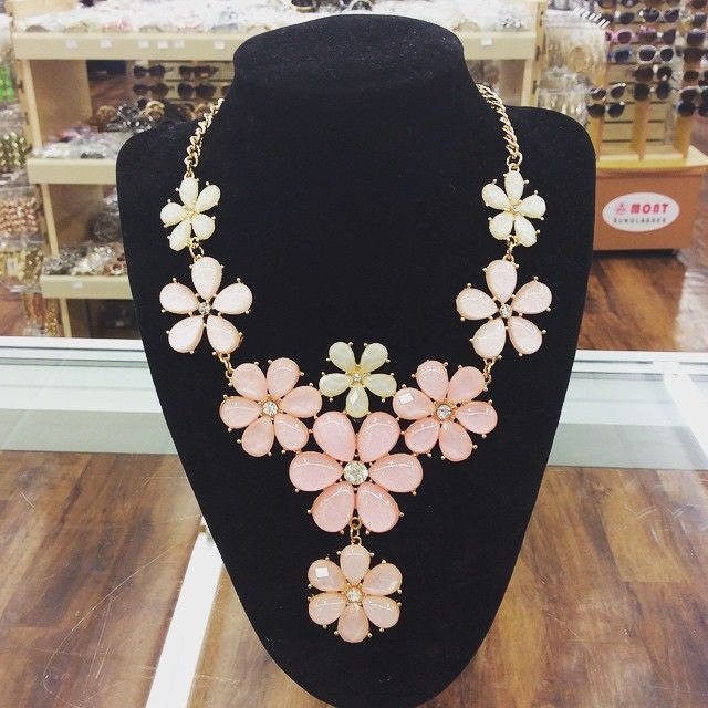 Faceted Gemstone Blossom Y Drop Statement Necklace #statementnecklace #gemstone #blossom #dropnecklace #instafashion #instastyle