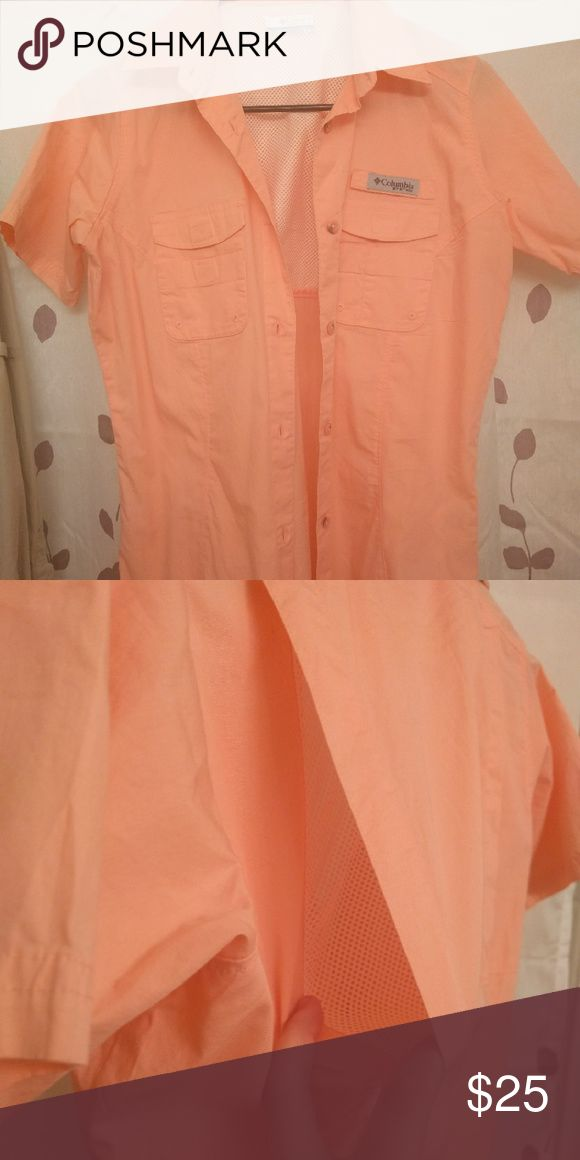 Peach Columbia pfg shirt NWOT professional fishing gear Columbia t shirt. Has pockets. Great for any outdoor activity. Breaths really well. I have a blue one I wear all of the time! Columbia Tops Button Down Shirts