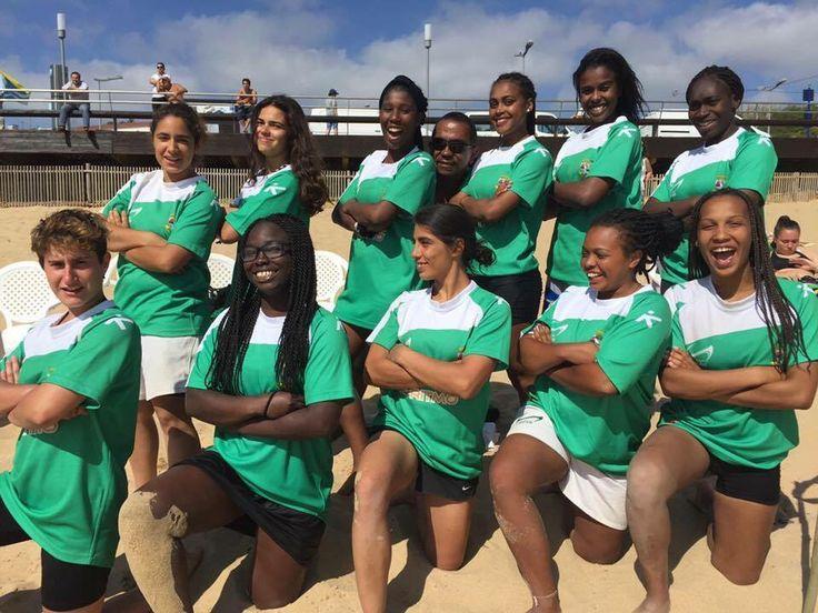 A época 2015-2016 chega ao fim, com a participação da nossa equipa feminina, no VIII Beach Rugby da Ericeira.   Agora é tempo de recuperar lesões, descansar e de começar a preparar a próxima época.   Sempre a crescer, viva o Cascais!!!!