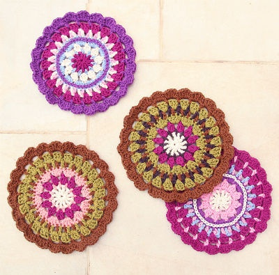 Crochet Medallion Stash Buster Potholder from @creativejmom