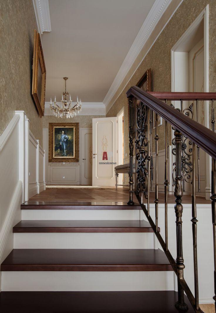Фото интерьера лестницы дома в стиле Прованс Фото интерьера лестничного холла дома в стиле Прованс