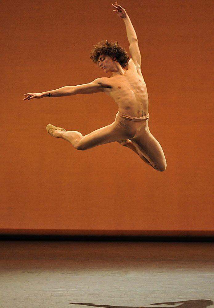 танцы голые артисты знаю, что