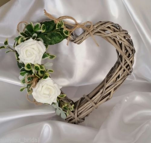 £7.50 Shabby-Chic-Wicker-Heart-With-Velvet-Touch-Flowers-Realistic-Greenery