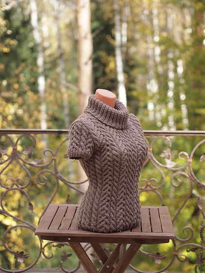 Yummy chocolate brown handmade wool vest is guaranteed to keep you warm. olgaknit.etsy.com or olgaknit.livemaster.ru
