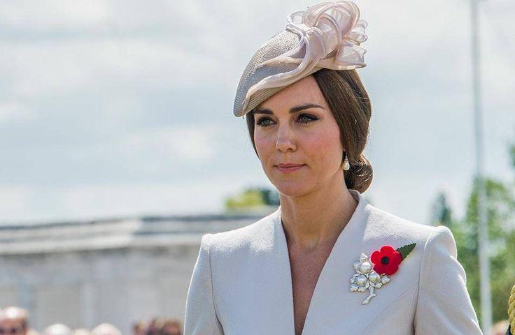 Im Internet wird derzeit wild über die dritte Schwangerschaft von Herzogin Kate spekuliert.