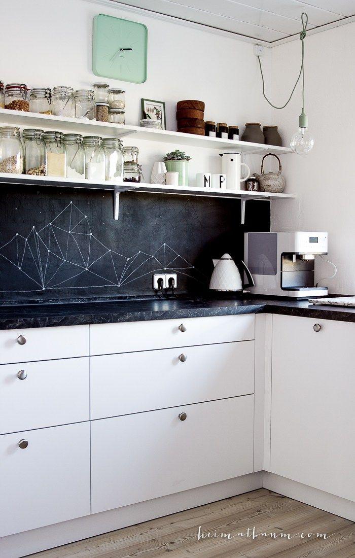 Skandinavische kitchen weiß Holz schwarz-3