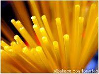 Albahaca con tomates: Espaguetis con almejas