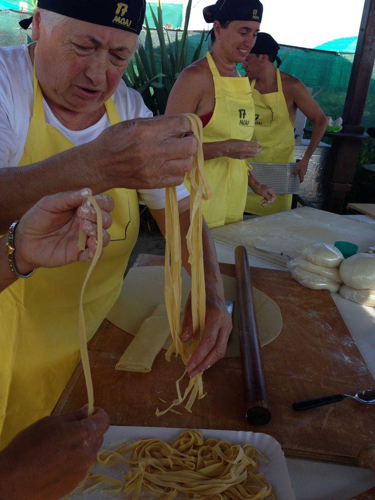 facciamo la #foglia #pastafattaincasa #homemadepasta #tagliatelle #bakingingredients #italianfood #italianrecipes #pasta