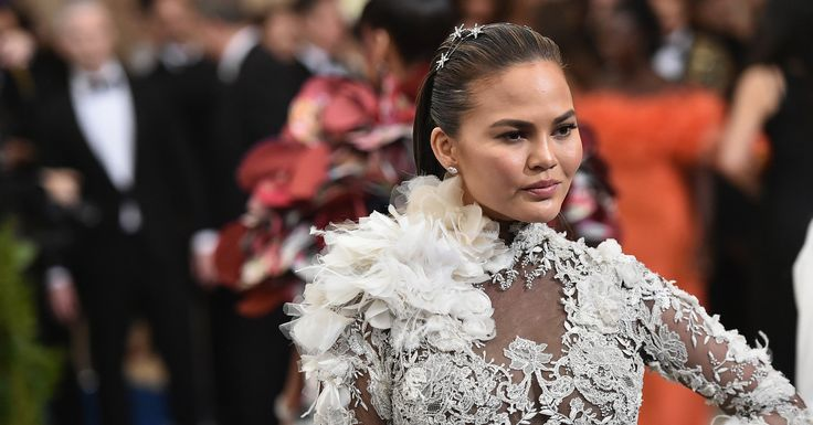 Bless Chrissy Teigen For Instructing Donald Trump To 'Grow. The F**k. Up.' | HuffPost