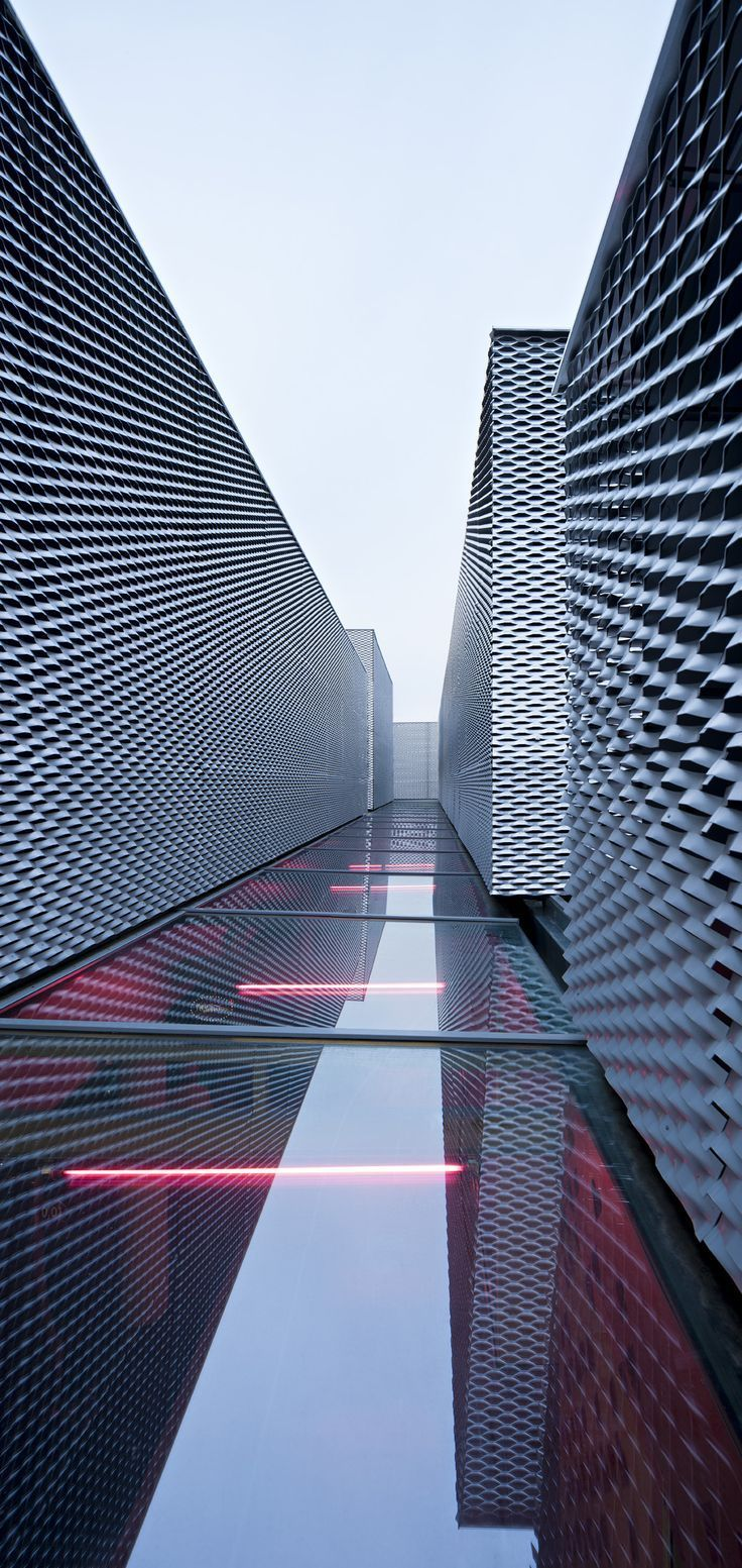 Architecture we like / Facade / metal / Waves / Water / Reflection / at INDSTR More