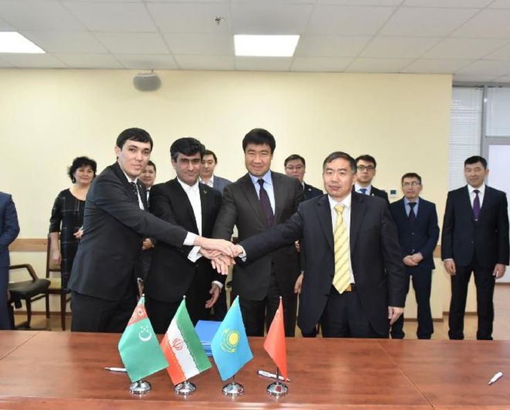 TEHRAN - Iran, Kazakhstan, China and Turkmenistan signed a protocol identifying operators for the organization of container trains on China-Kazakhstan-Turkmenistan-Iran (CKTI) route.