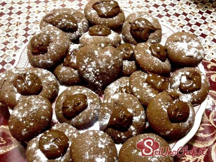 Sfiziosi biscotti da preparare quando si ha davvero poco tempo a disposizione ma si ha voglia di qualcosa di veramente squisito! #Nutella #Nutellotti