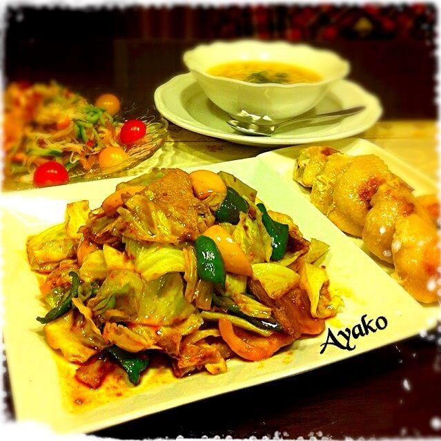 今日は、中華料理です♪ 大好きな回鍋肉で、ご飯が進みます♡ - 148件のもぐもぐ - 回鍋肉、手羽先餃子、中華くらげのサラダ、中華卵スープ by ayako1015