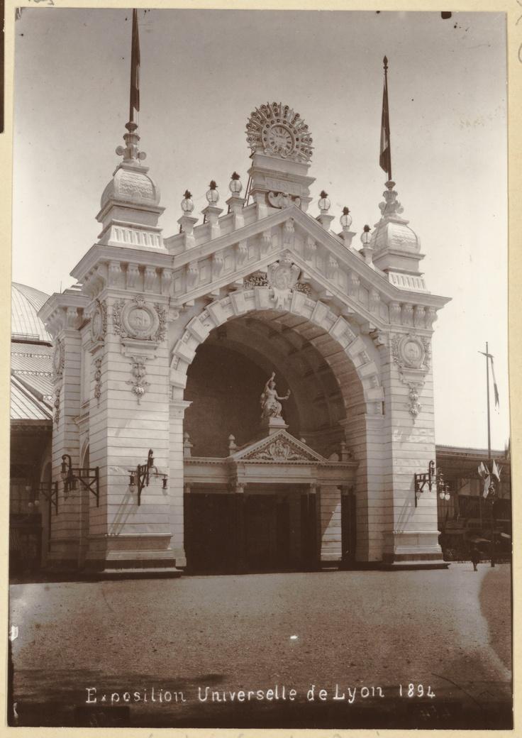 Exposition Universelle de Lyon (1894) : porte d'honneur