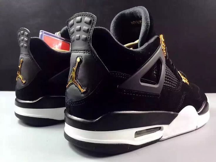 The Air Jordan 4 Royalty Will Start Off 2017 With A Bang