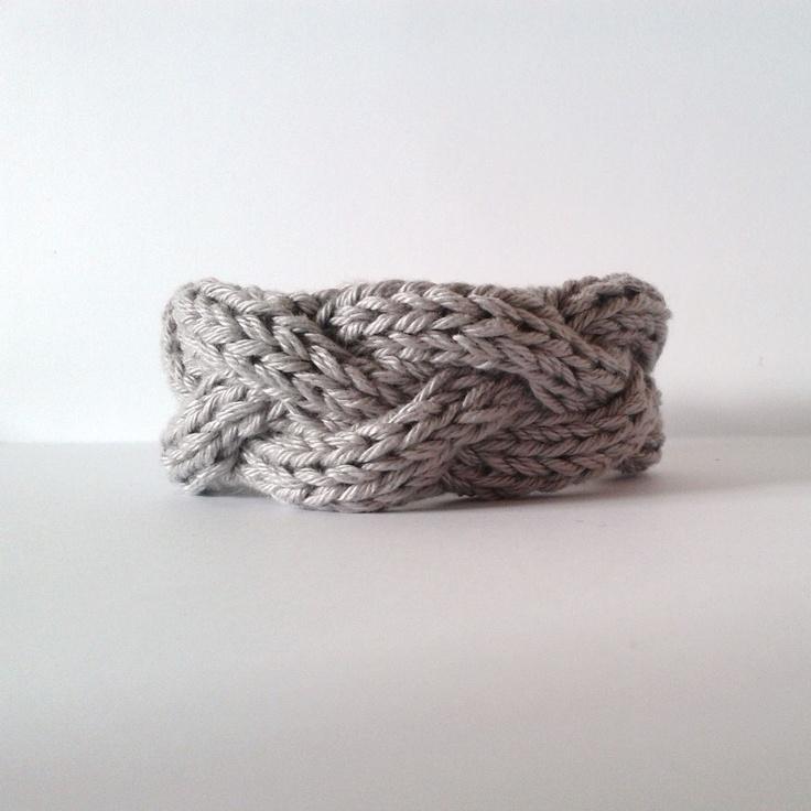 DIY: knit bracelet (incl english version)