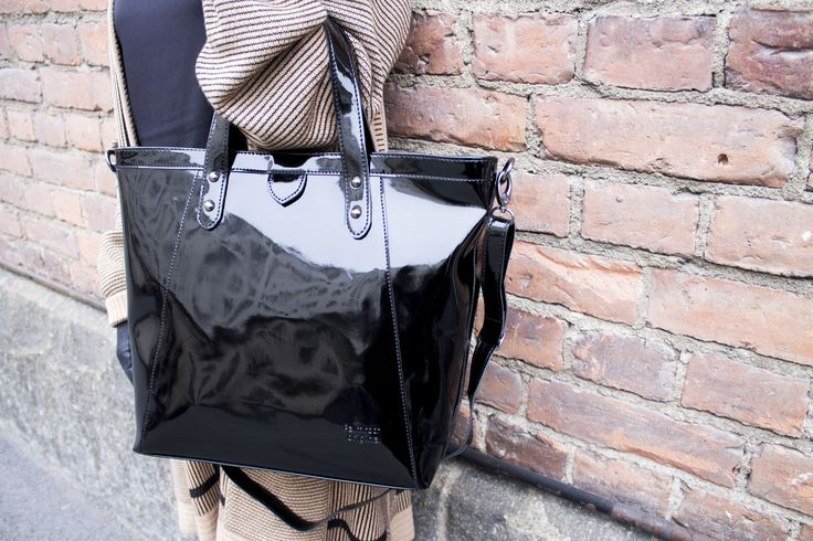 Palmroth black patent bag - www.palmrothshop.com