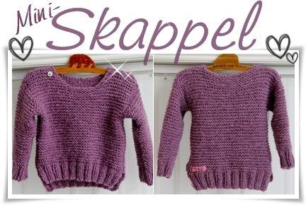 En liten genser til ei lita jente Da er genser nummer to ferdig. Styra fælt med sammensyingen på den ene siden denne gangen, men d...