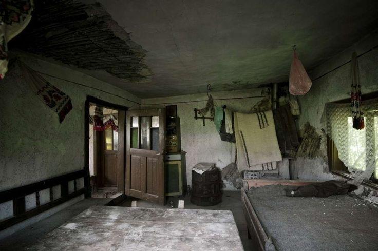 Cum arată casele părăsite din satele româneşti