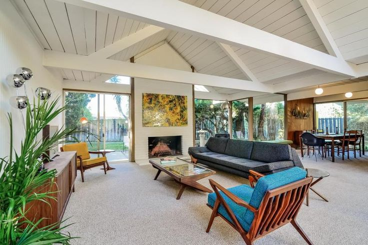 A perfectly maintained Eichler in Granada Hills, CA. Click on the image to see more!