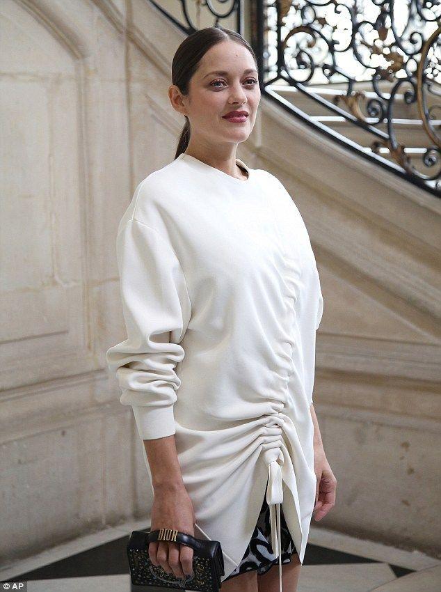 Marion Cotillard: Η πρώτη εμφάνιση της εγκυμονούσας μετά το διαζύγιο των Brangelina | Γόβα Στιλέτο