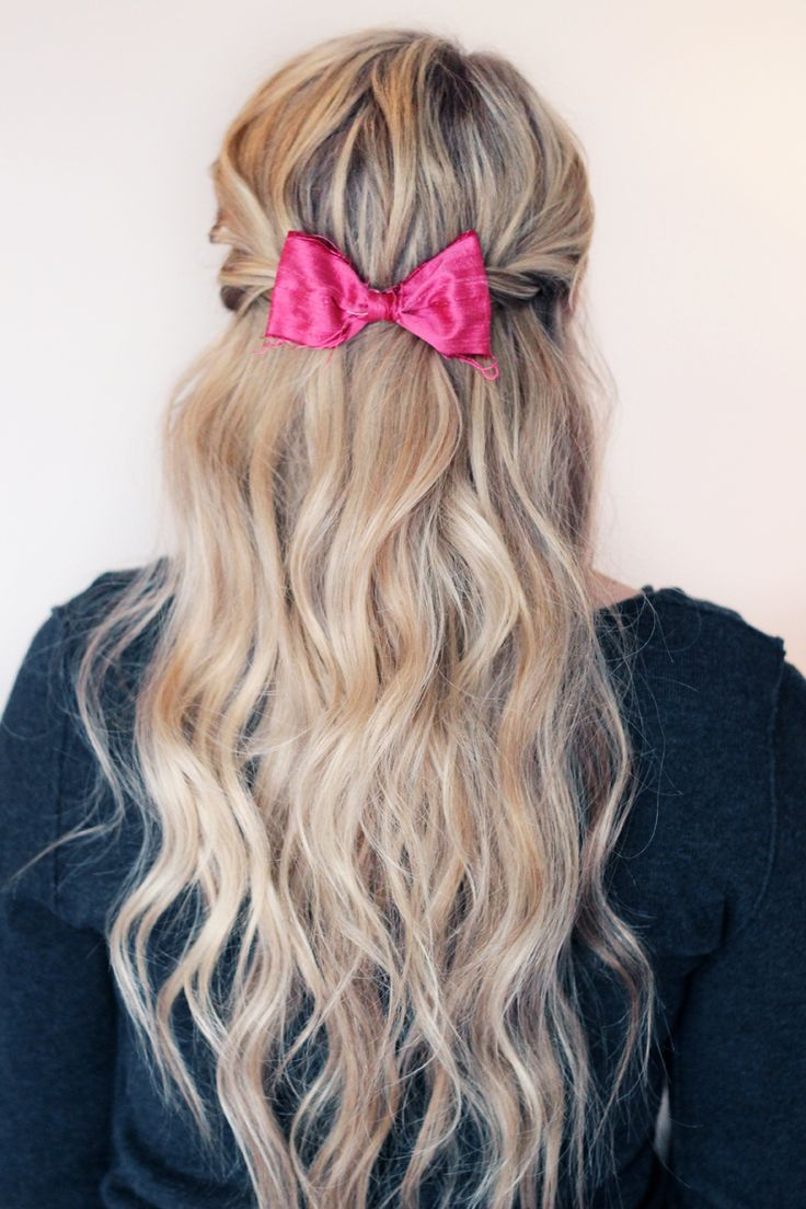 I have to tell you– I'm in love. Many of you I'm sure recognize the bow. It's from Wynne Marie Ink. Yeah… I'm kind of obsessed. She's started making some smaller raw silk bows and they're honestly THE perfect size.…