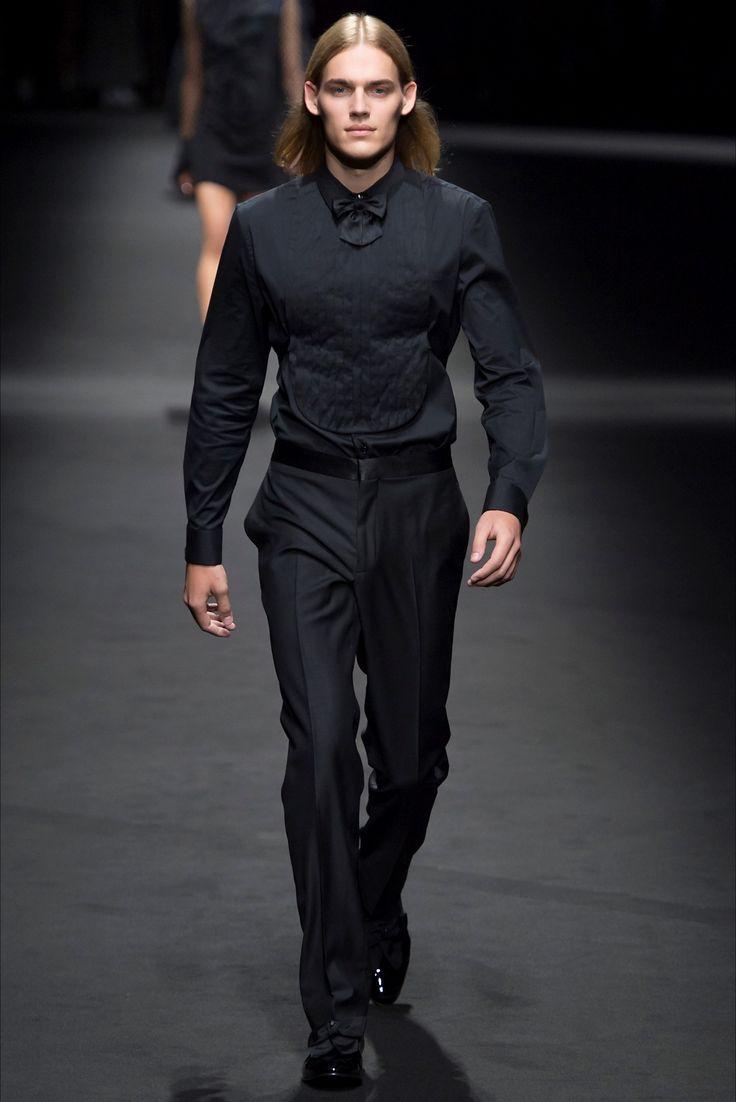 Sfilata Moda Uomo Versace Milano - Primavera Estate 2017 - Vogue