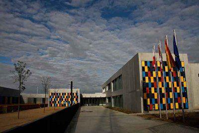 """El Ayuntamiento de Arroyo de la Encomienda y la Consejería de Educación ampliarán los colegios de """"Elvira Lindo"""" y """"Kantic@ Arroyo"""" http://www.revcyl.com/www/index.php/educacion/item/2180-el-ayuntamiento-de-arroyo-de-la-encomienda-y-la-consejer%C3%ADa-de-educaci%C3%B3n-ampliar%C3%A1n-los-colegios-de-elvira-lindo-y-kantic-arroyo"""