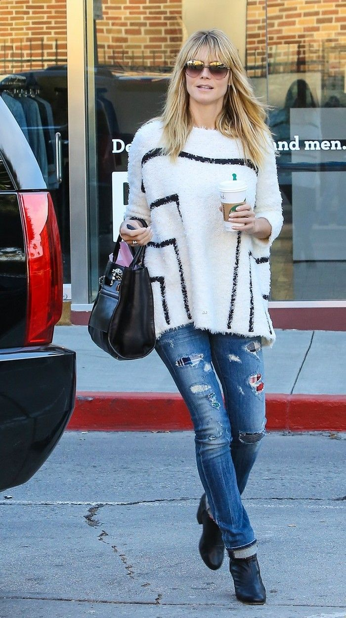 Destroyed jeans and an oversized sweater - maybe fall in Pittsburgh would be a little chilly but Heidi looks great!