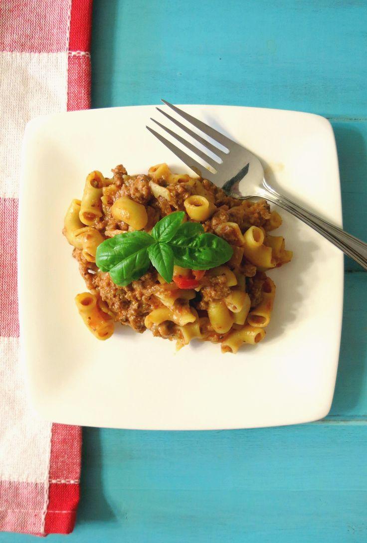 Quick and Easy Goulash - A healthy, hearty, cheesy Italian pasta dish ...