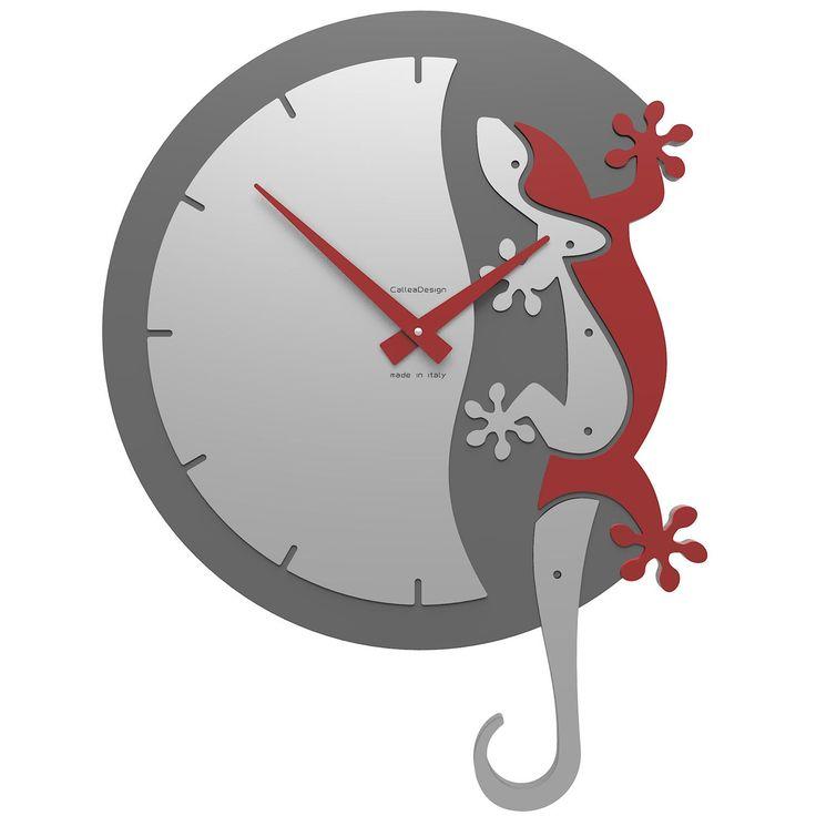 Reloj Climbing Gecko de CalleaDesign. Divertido y original reloj de pared que no pasará desapercibido. ¡Parecerá que tienes un lagarto trepando por tu pared!. Diseño italiano. Disponible en múltiples colores.