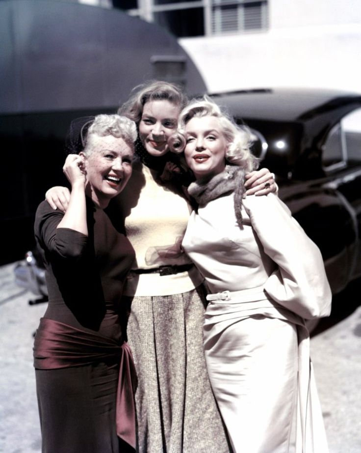 "TRIO DE CHARME (Marilyn MONROE, Betty GRABLE et Lauren BACALL) dans le film ""How…"