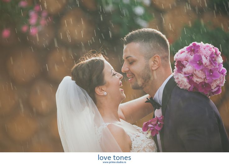#wedding #rainphotosession #samedayphotosession #romanticweddings #weddingideas