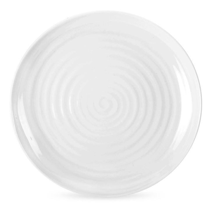 Sophie Conran White Round Coupe Buffet Plate brings a touch of elegance to gastro dinner parties. 22cm (8.5 inches). Call 905·885·9250.