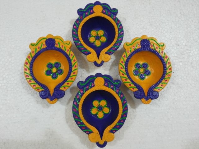 Set Of 4 Hand Painted Earthen Lamps/diyas
