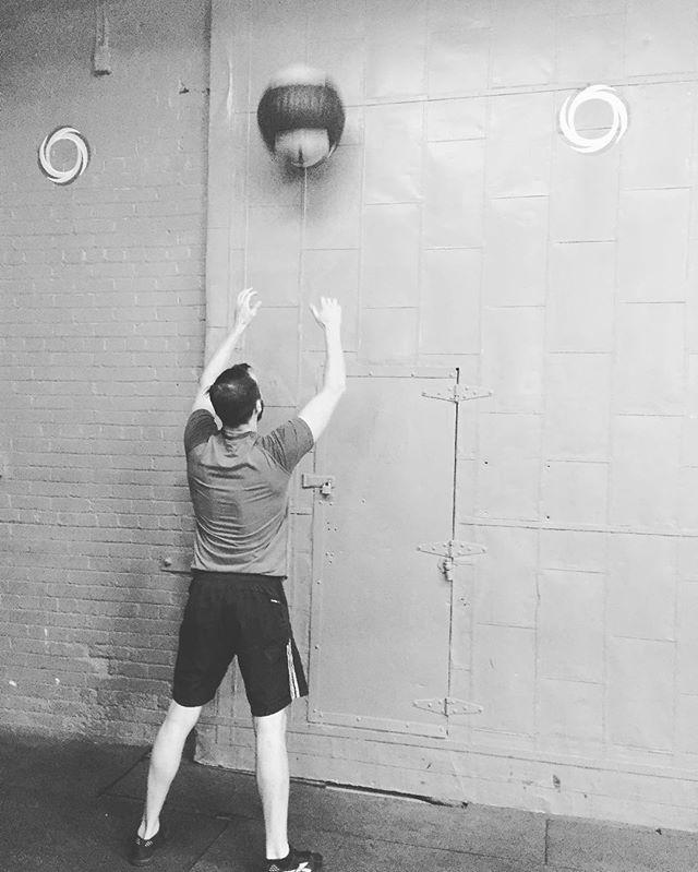 Wall Balls 🏐  #Crossfit #CrossfitToronto #Toronto #Fitness #Crossfitter #CrossfitCommunity #Conditioning #WOD #Workout #WallBalls