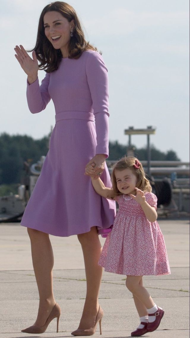 PRINCESS CHARLOTTE WITH HER MOMMA, KATE.......WAVING AT THE CROWD.............ccp