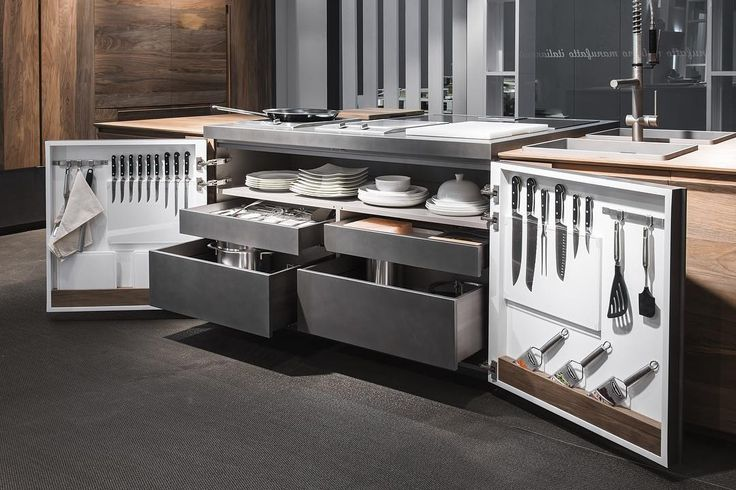 Base chef de cuisine #toncelli #toncellikitchen #showroom #milano #design #kitchen #essence #emanuelescarello #viadeigiardini #toncellievo #eurocucina #eurocucina16 #eurocucina2016 #salonedelmobile #newopening #newshowroom #newkitchen Hall 11 Stand C18/C20 | showroom Via Dei Giardini 10 Milan