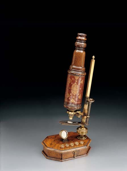 Microscope made by John Marshall in London, who signed each of his instruments individually, circa 1695