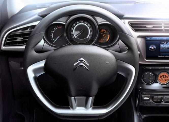 http://www.infomotori.com/auto/2013/06/12/citroen-c3-prezzi-allestimenti-compatta-francese/ Nuova #Citroen C3 #interni #cruscotto