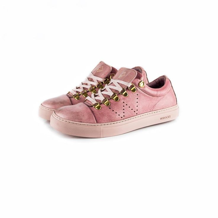"The pink ""Sue""! 👄 To shop follow our link in the bio: wrocksfootwear.com 🌐  #washedrocks #wrocksfootwear #footwear #shoes #sneakers #sneakerhead #sneakerfreak  #sue #springfashion #springsummer2017 #summer2017 #photography #picoftheday #photooftheday"
