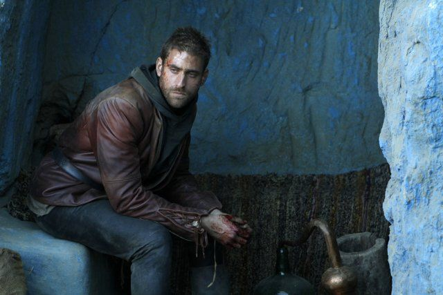 Oliver Jackson-Cohen in Emerald City (2016)