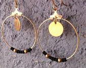 """Boucles d'oreilles """"Créoles"""" n°1 - noir et or doré - pendantes pour oreilles percées"""
